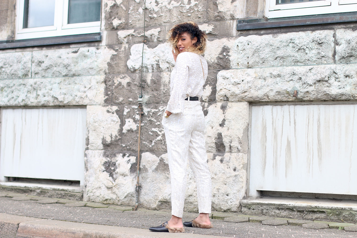 all-white-everyting-look