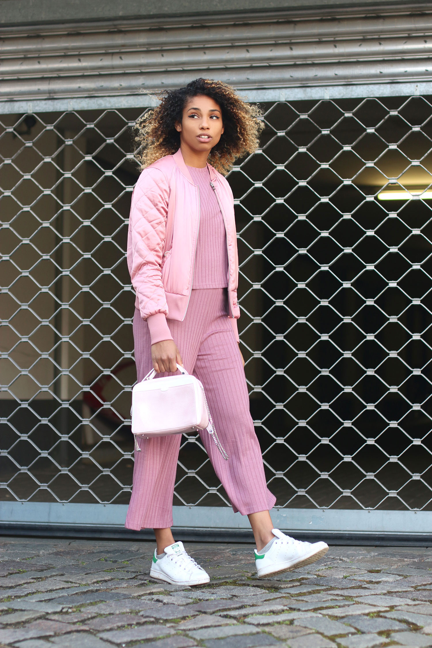 curls-all-over-think-pink-5