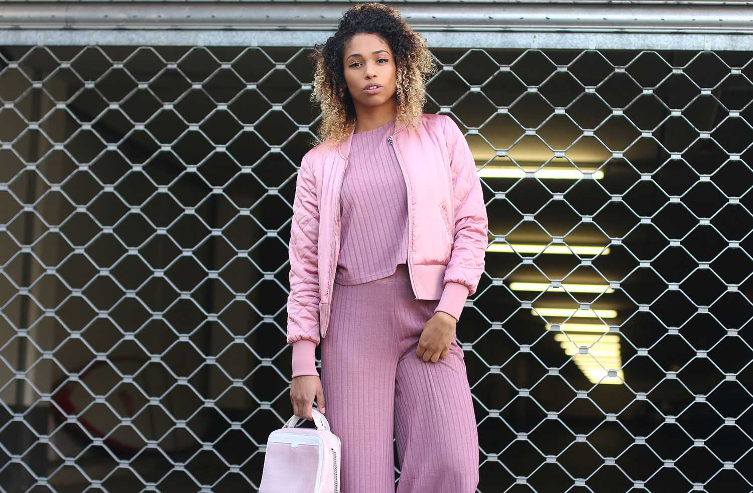 think-pink-look